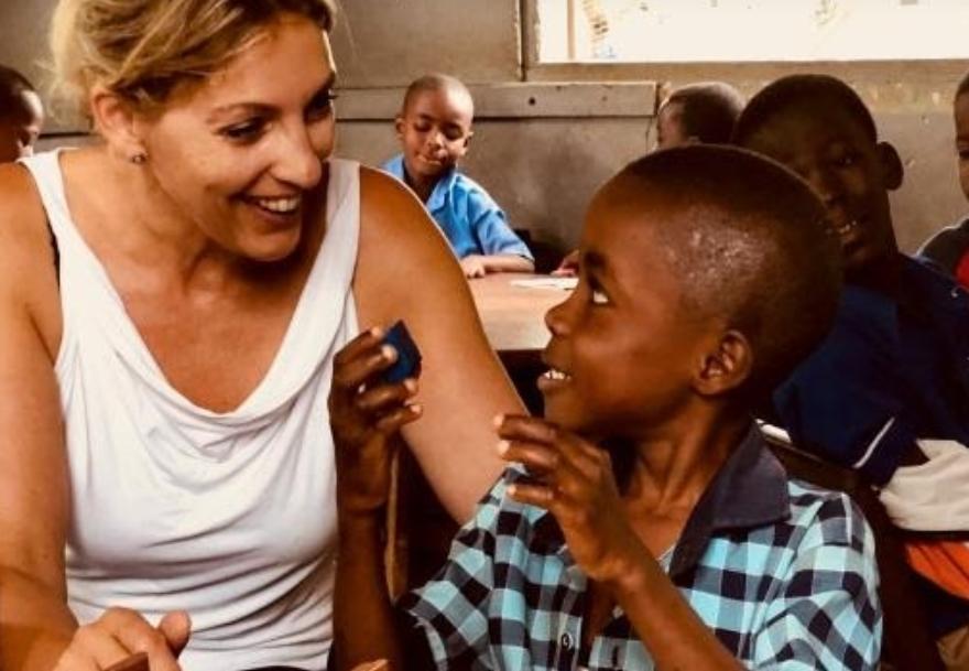Christien begint haar schoolvakantie in Ghana